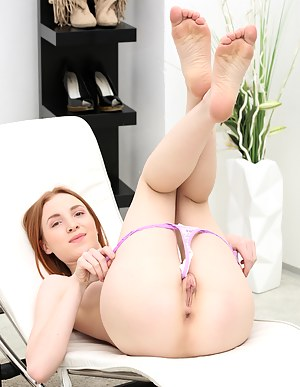 Pretty petite coed makes her pink shaved pussy cum with huge vibrator