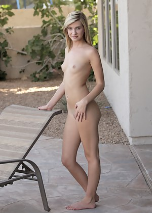 Fresh Nubile Chloe Brooke gets horny while sun tanning