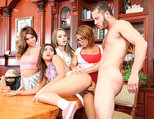 Fresh Teen School Porn Pictures